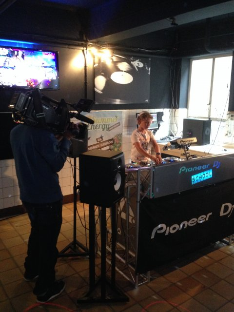TV interview SBS6 shownieuws summerenergydancefestival _ ptrgbrl by pietergabriel dutch dj & producer